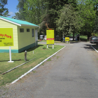 GLENVIEW HOLIDAY PARK