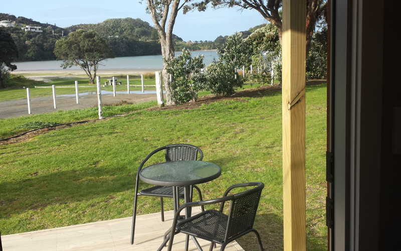 Mangawhai Heads Holiday Park - deluxe cabin