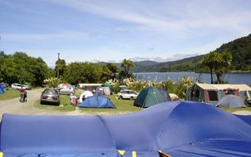 Family fun at Lake Waikaremoana Holiday Park